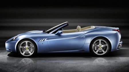 Nuevas fotos del Ferrari California, ahora con el techo visible