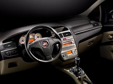 Fiat Linea, la variante berlina del Grande Punto