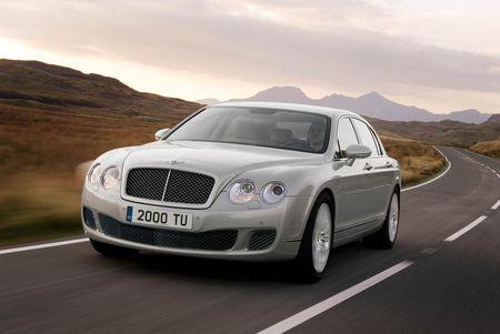 Bentley actualiza el Continental Flying Spur y añade una versión Speed