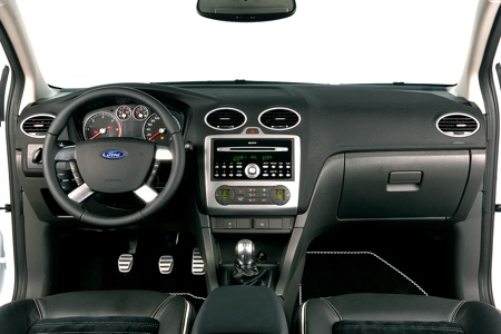 Ford focus wrc s edici n especial diariomotor for Ford focus 2006 interieur