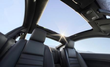 Ford Mustang 2009, con techo transparente de cristal
