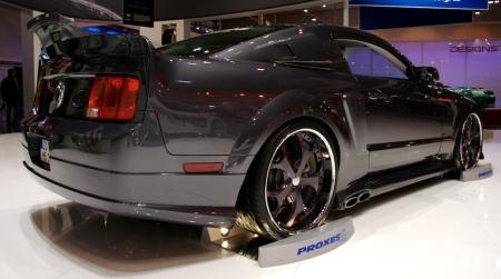 Ford Mustang Proxes 4, estilo Coche Fantástico