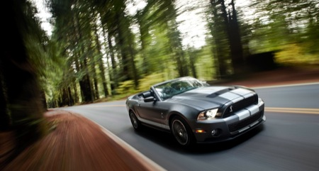 ford-shelby-gt-500-mustang-2010-20%20copia.jpg