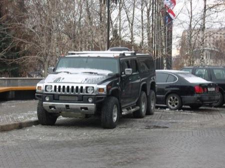 Hummer H6, el H2 de 6 ruedas en Rusia