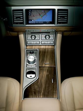 Más imágenes y datos del Jaguar XF