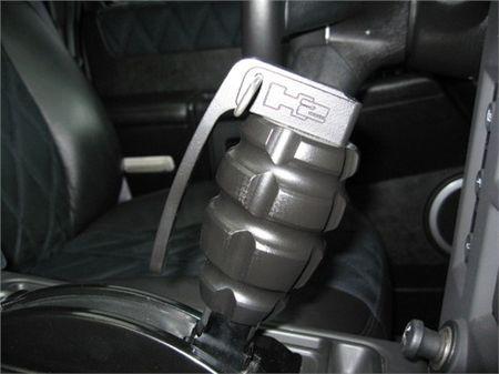 STRUT Matte Black Hummer H2, aún más amenazador