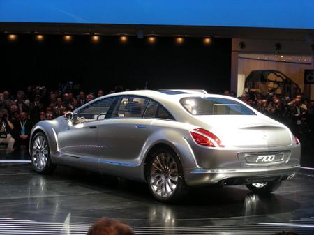 Mercedes F700 al descubierto