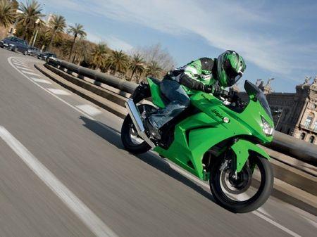 Kawasaki Ninja 250 R, una Sport asequible