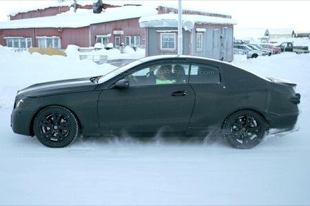 Fotografía espía lateral Mercedes CLK 2009 pruebas de invierno