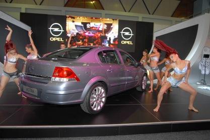 Presentación oficial del Opel Astra Sedán