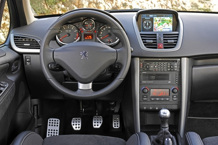 Peugeot 207 RC interior