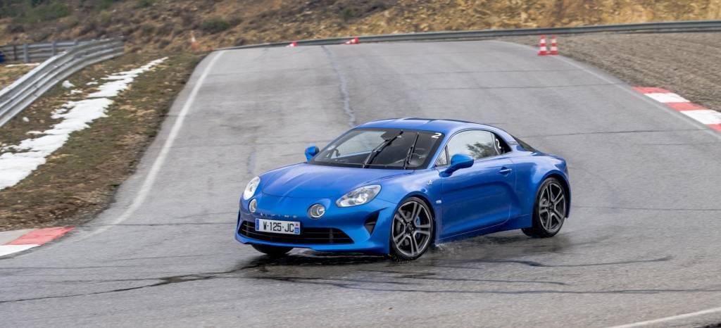 Los rumores hablan de un Alpine A110 más deportivo, con el motor del Renault Mégane RS llevado hasta los 300 CV
