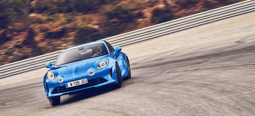 El Alpine A110 podría tener una versión más picante, con 300 CV y lo mejor de Renault Sport