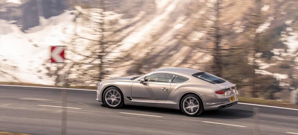 Lujo, elegancia y deportividad: nueva galería de fotos, el Bentley Continental GT 2018 desde todos los ángulos