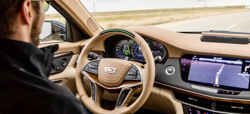 Consumer Reports sentencia: en conducción semi-autónoma, Cadillac gana la partida a Tesla