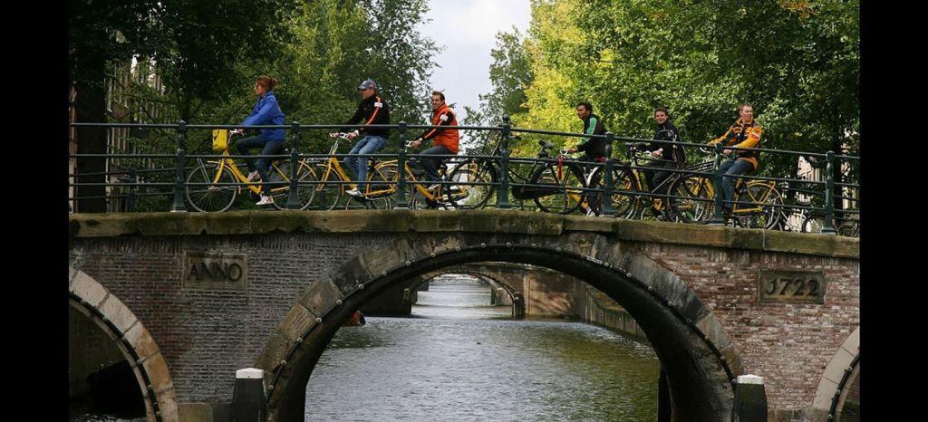 Capacitacion Ciclista Dgt Bicicleta Amsterdam thumbnail