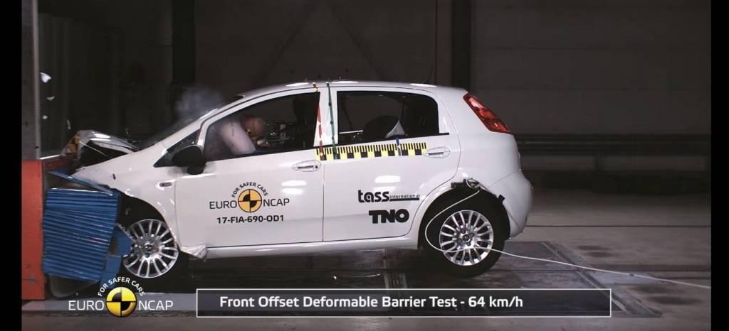 El Fiat Punto se estrella en las últimas pruebas de EuroNCAP, con un resultado de cero estrellas