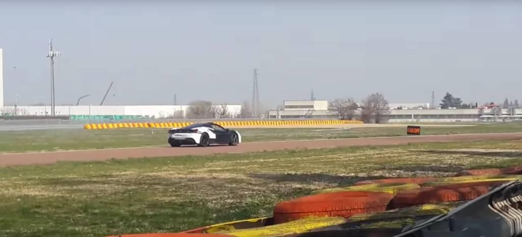 ¿Qué tramas Ferrari? Aparece en Fiorano un Ferrari 488 híbrido
