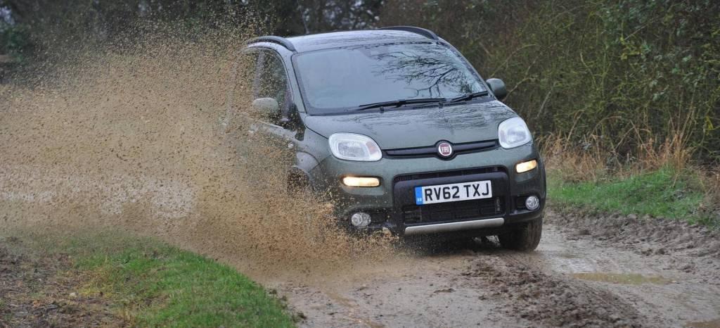 ¿Cuál es el precio de Fiat Panda 4X4 más barato que podemos comprar? ¿Merece la pena un coche pequeño con tracción total?
