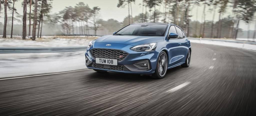 ¡El Ford Focus ST ha vuelto! Hasta 280 CV para ser más potente y dinámico que nunca (+14 fotos)