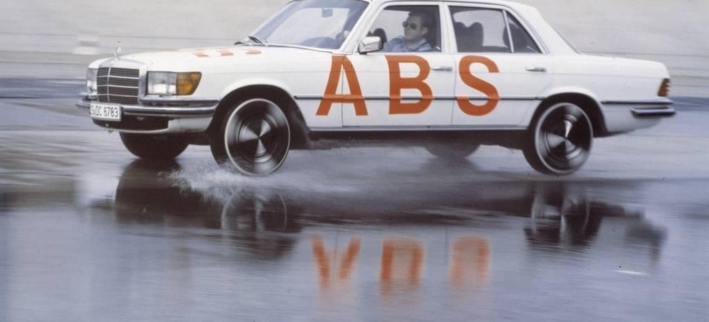 Así nacieron los frenos ABS hace 40 años, en un Mercedes Clase S de 1978