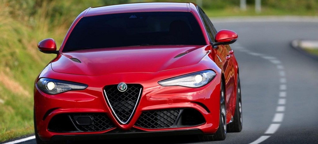 ¡La berlina más rápida en Nürburgring! El Alfa Romeo Giulia asombra con un tiempo de 7:39, más rapido que un Ferrari F430 Scuderia