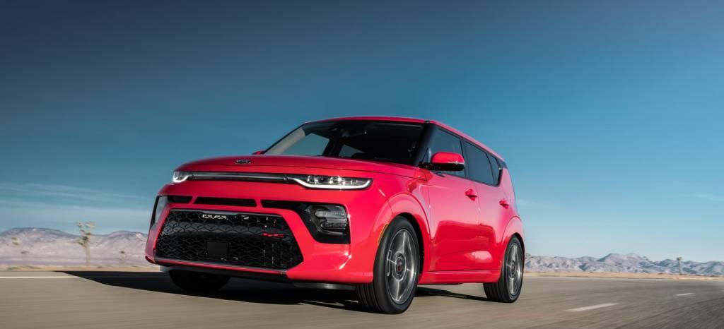 Saluda al nuevo KIA Soul, un coche diferente para los que están cansados del Renault Captur, disponible también como coche eléctrico