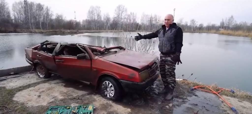 ¿Arrancará este Lada tras haber pasado seis meses bajo el agua? (+vídeo)
