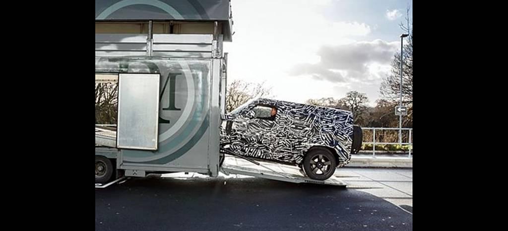 Wrangler y Clase G estáis avisados: el nuevo Land Rover Defender llegará en 2019