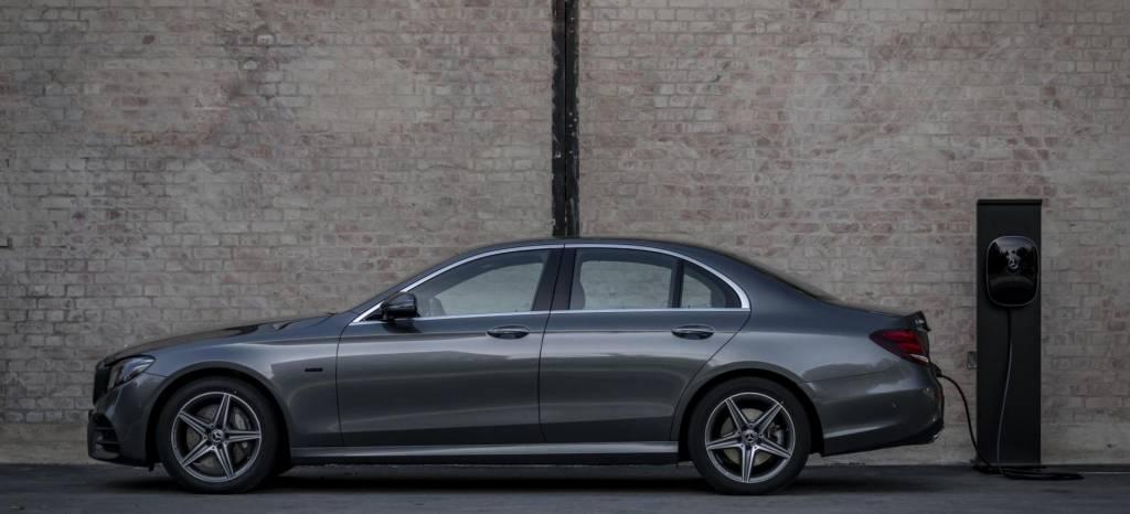 El Mercedes Clase E 300 e, una berlina enchufable y con etiqueta '0 emisiones', ya tiene precio en España