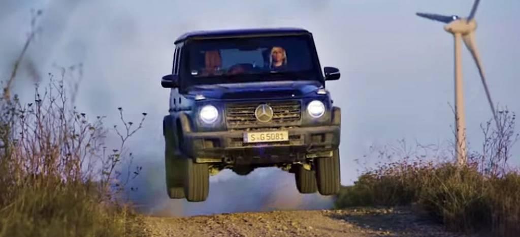 Lección 4×4 en solo 2 vídeos: Mercedes nos enseña a conducir un Clase G en offroad