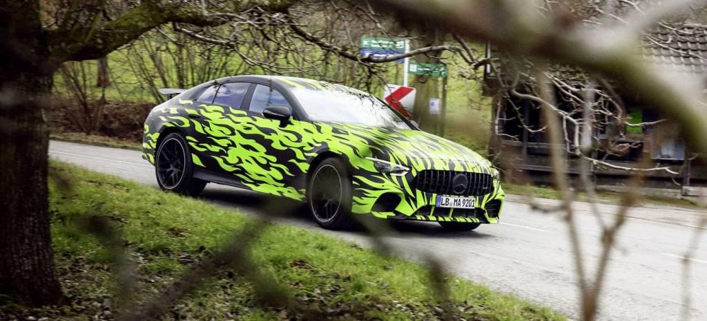 El Mercedes-AMG GT de 4 puertas se quita camuflaje: el nuevo rival del Porsche Panamera ya está aquí