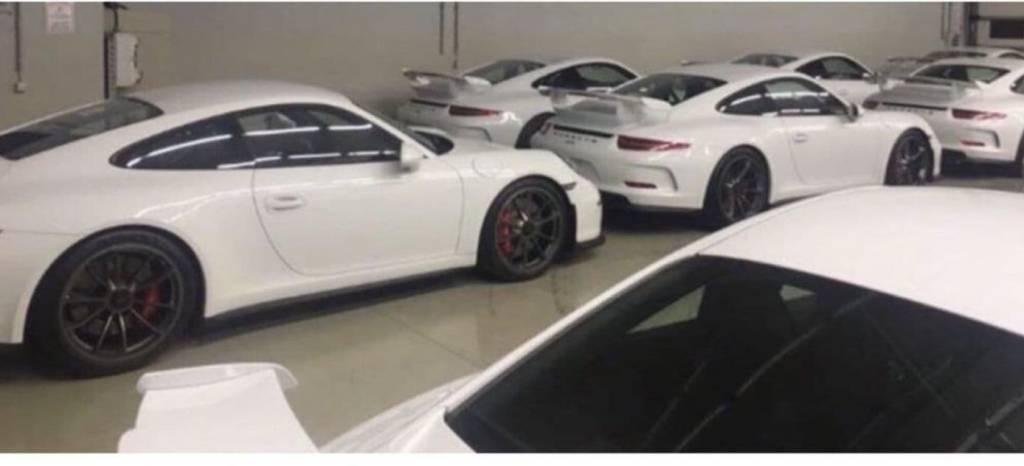 18 unidades de Porsche 911 GT3 2015 a estrenar buscan dueño: ¿qué te gustaría hacer con ellas?