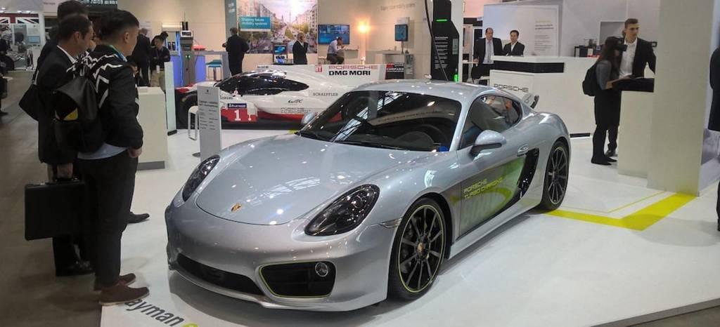 Este es el Porsche Cayman más rápido y no tiene bóxer de cuatro, ni seis cilindros, ¡es eléctrico!
