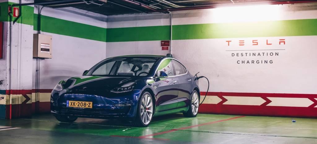 Tesla Model 3, primera prueba: el nuevo coche eléctrico de Tesla llega con 462 CV y hasta 560 Km de autonomía y ya lo hemos conducido