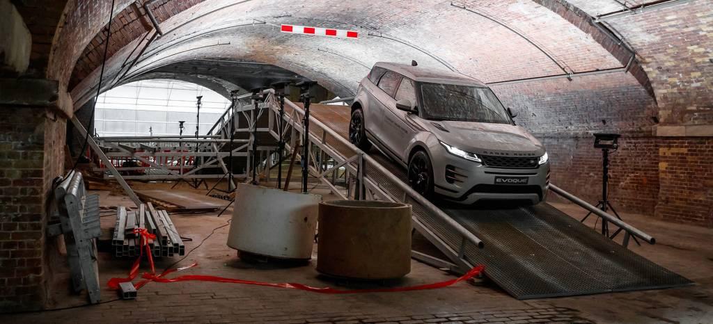 El truco de los semihíbridos diésel y gasolina y la etiqueta ECO en el nuevo Range Rover Evoque