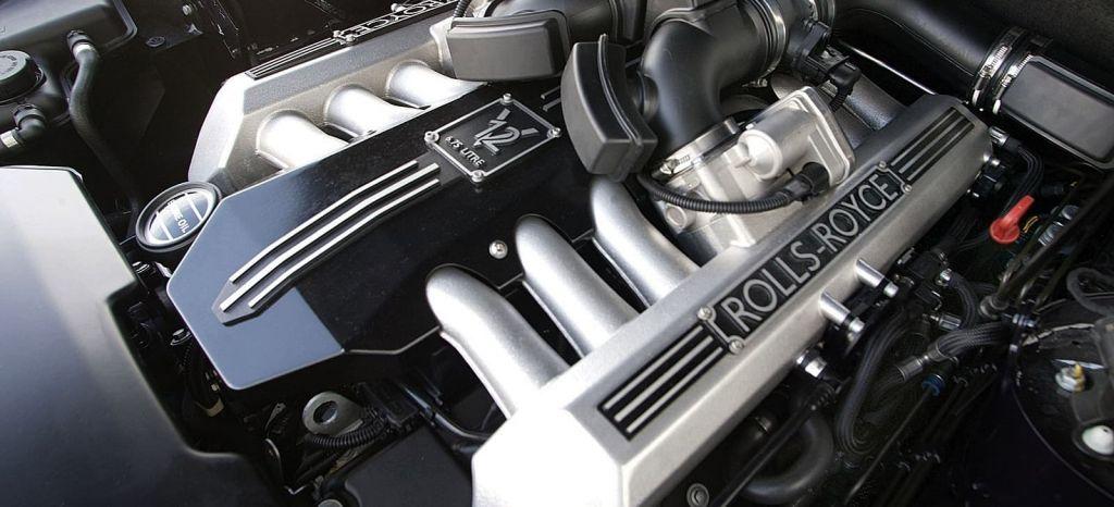 Ni difícil, ni caro: así se cambia el aceite de un Rolls-Royce Phantom