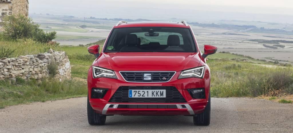 ¿Por qué comprar un SEAT Ateca y no un Peugeot 3008? Los dos coches son referencia en el segmento pero…