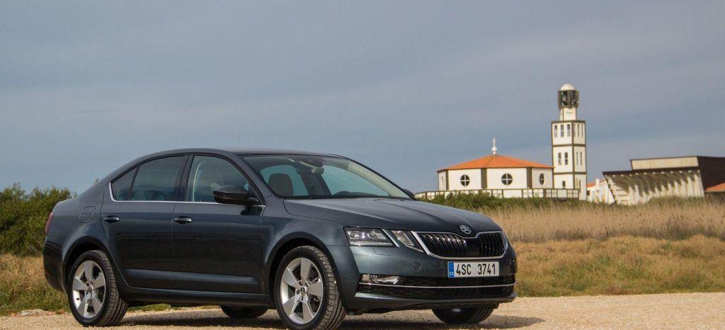 El Skoda Octavia está en liquidación final con grandes descuentos y tienes un coche muy recomendable y muy equipado por 18.700 euros