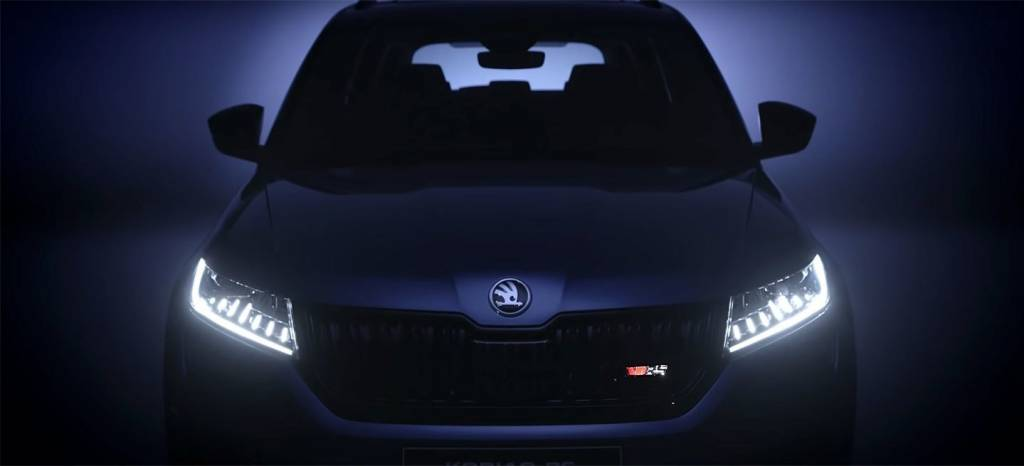 El nuevo RS de Skoda nos muestra su frontal: así es el diésel más potente de la historia de la marca