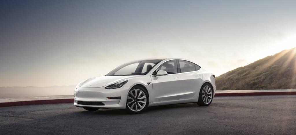 El Tesla Model 3 de los 35.000 $ ya está a la venta, pero tiene letra pequeña