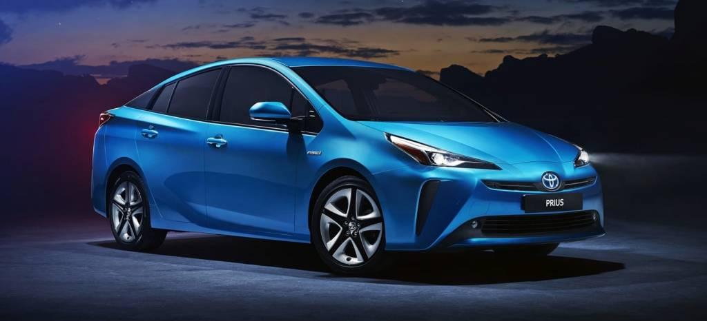 Guerra de coches híbridos en Toyota: ¿llegó la hora de reinventar el Prius?