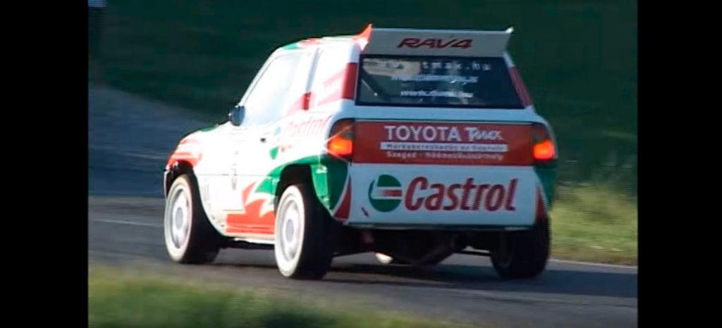 El coche de carreras de ascenso más inesperado es un Toyota RAV4 de 450 CV (+vídeo)