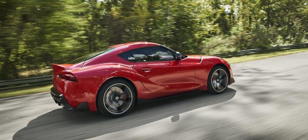 4 coches deportivos que podrías comprarte por el precio del Toyota Supra