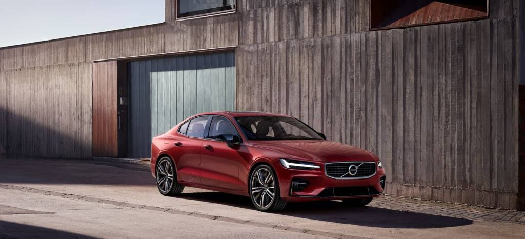Da la bienvenida al nuevo Volvo S60, el sedán que quiere hacerte olvidar a los coches alemanes