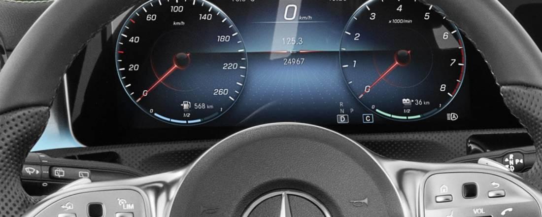 Mercedes clase a precios prueba ficha t cnica fotos y for Interior mercedes clase a