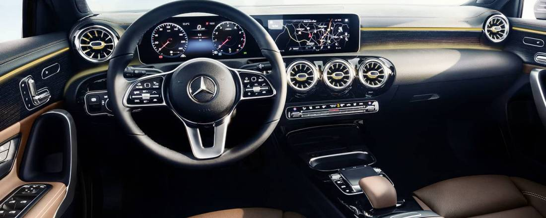 Mercedes clase a precios prueba ficha t cnica fotos y for Interior clase a