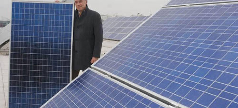 Audi instala paneles solares en su cuartel general de for Tejados solares