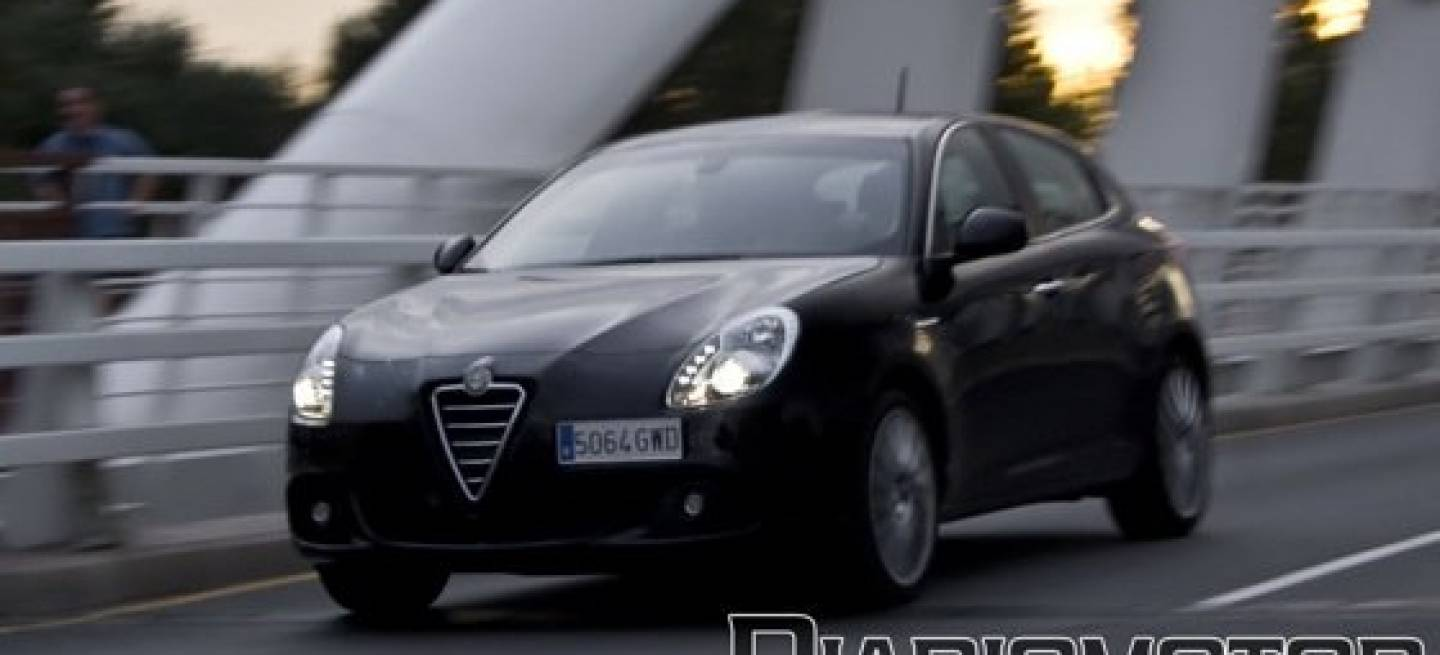 alfa romeo giulietta 1 4 turbo multiair 170 cv distinctive. Black Bedroom Furniture Sets. Home Design Ideas