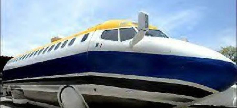 limusina boeing 727 comodidad de avi n por carretera diariomotor. Black Bedroom Furniture Sets. Home Design Ideas